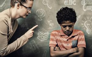 Как были наказаны учителя за оскорбления в письменной форме родителей