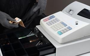 Какая статья за кражу денег из кассы?