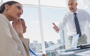 Как защититься от оскорблений начальника?