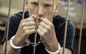 Когда начинается уголовная ответственность несовершеннолетних?